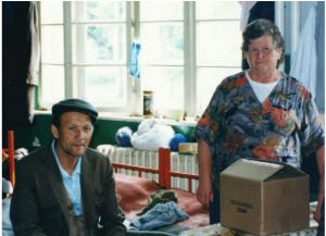 1992 | Former Yugoslavia - Man and woman packing boxes of clothes
